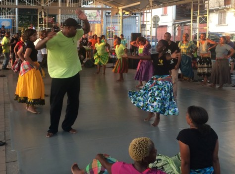 we are lucky to assist a traditional music and dance session - a tration dating back to the roots of the population of Martinique