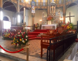the chrch is decorated with beautiful flowers