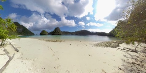 Wayag beach
