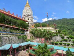 Pagoda of tenthousand buddhas