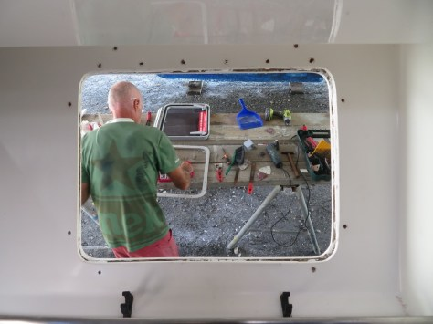 Emergency hatch repair