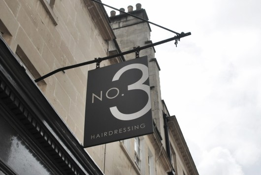 She and Hem | No.3 Hairdressing