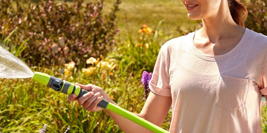8 Essential Garden Tools That Every Garden Lovers Must Have in 2021