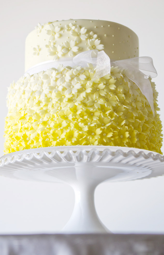 yellow wedding cake 2   She Bakes In Colour Published 23 February  2013 at 634      983 in Not so mellow yellow