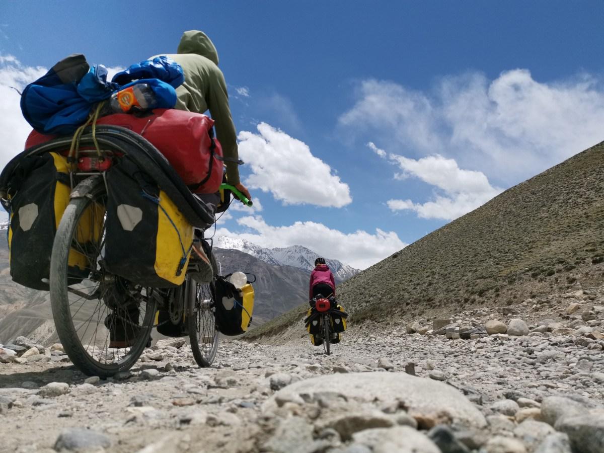 Steine, Sand und zum Teil sehr steile Anstiege: Für konventionelle Tourenräder mit dünner Bereifung eine echte Herausforderung.