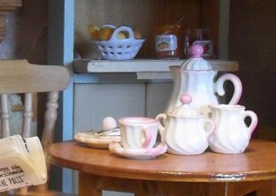 1940 Kitchen Teaset