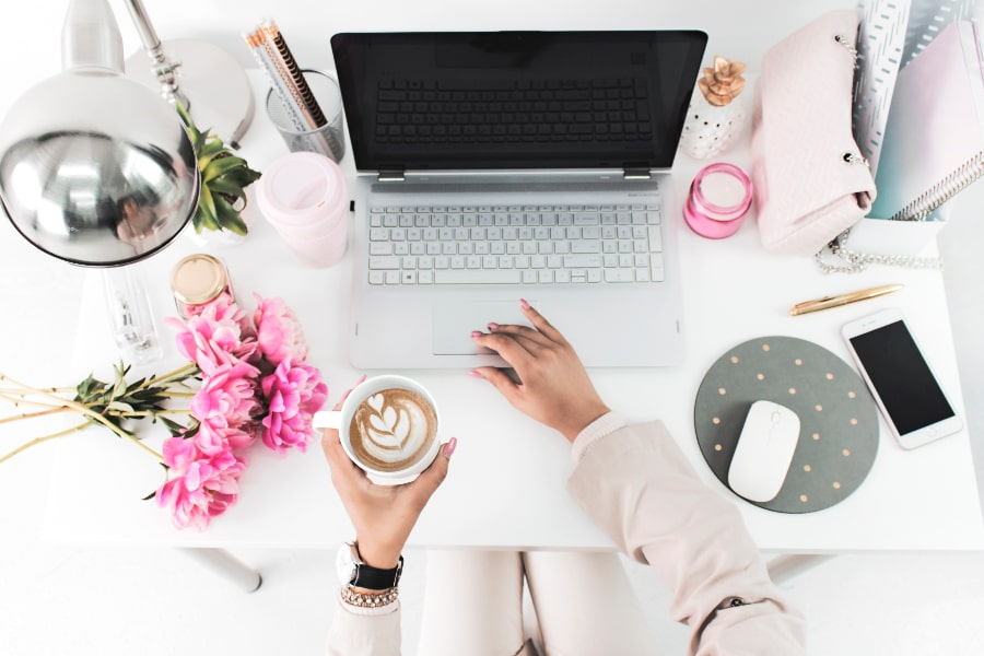 how to plan your day and stick to it like a true girl boss