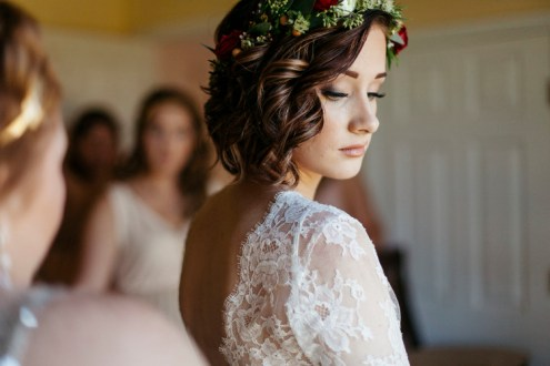 Non-Fuzzy hair styles for bride @SheerEverAfter