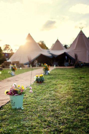 Create an amazing and extraordinary wedding decor