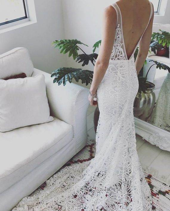Don't go wedding dress hunting without reading this first!    .....      @Sheer Ever After Wedding Blog www.sheereverafter.wordpress.com