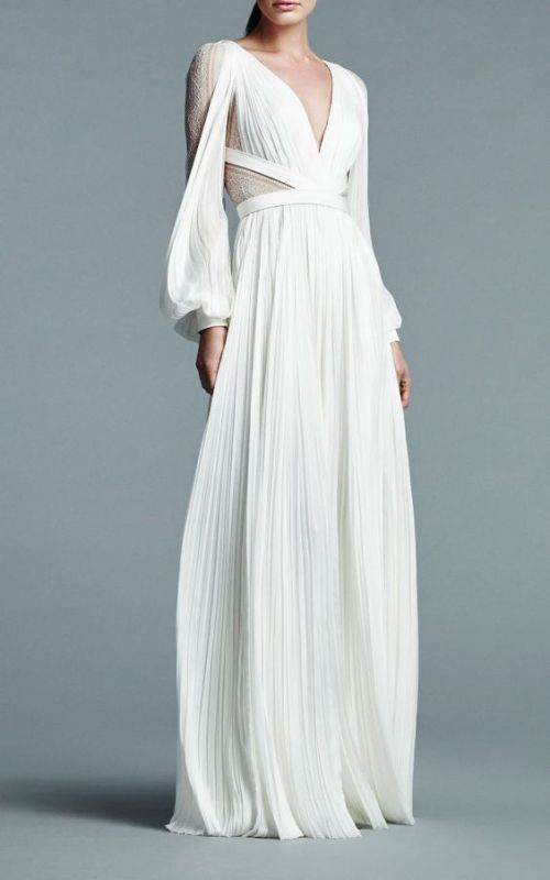 Simplicity is the new Spectacular for 2018 Bridal Gowns