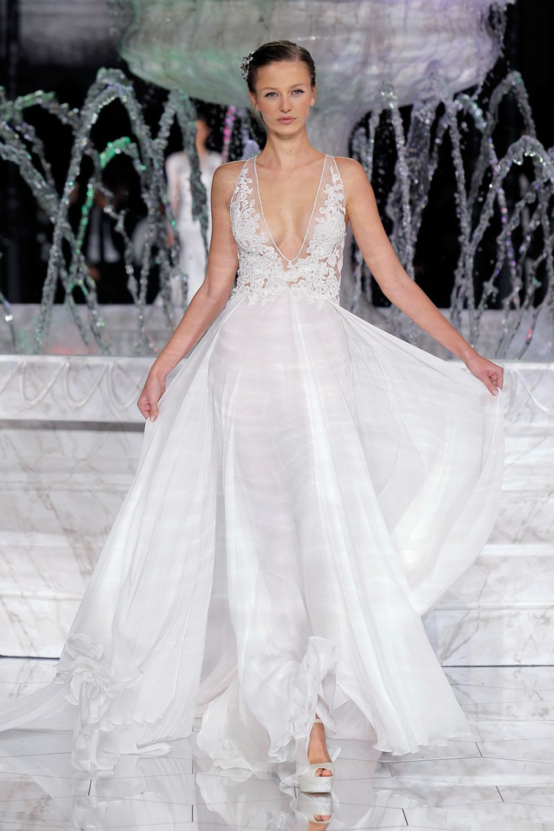 PRONOVIAS-FASHION-SHOW_Riada