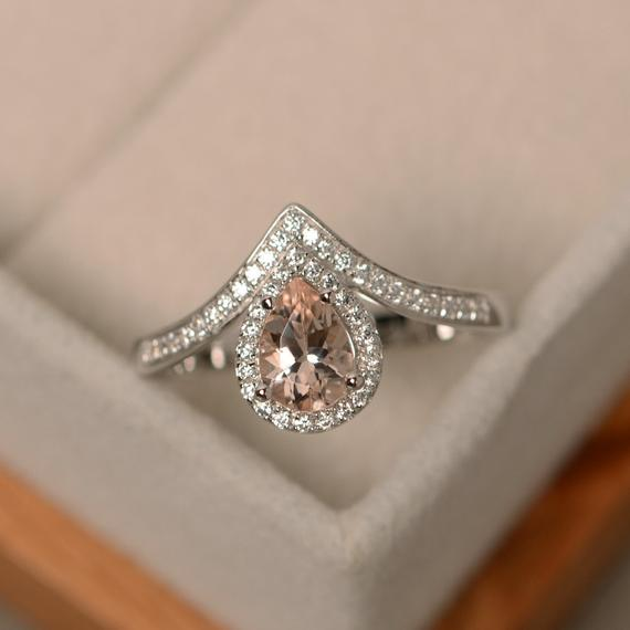 Engagement rings under $800 | Sheer Ever After | Your online maid of honor