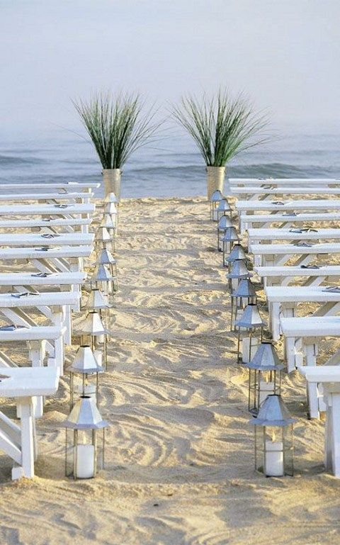 http://happywedd.com/decor/45-beach-wedding-aisle-decor-ideas.html?epik=0RaZlEvIWX-19