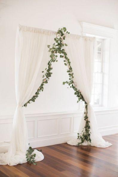 https://bellethemagazine.com/2018/05/glamour-feminine-details-beautiful-pastel-wedding.html