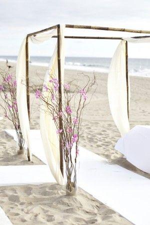 http://www.thesweetestoccasion.com/2011/02/beach-wedding-ideas/