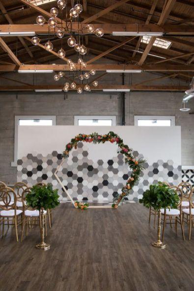 https://bellethemagazine.com/2018/10/modern-geometric-wedding-citrus-surprise-proposal.html