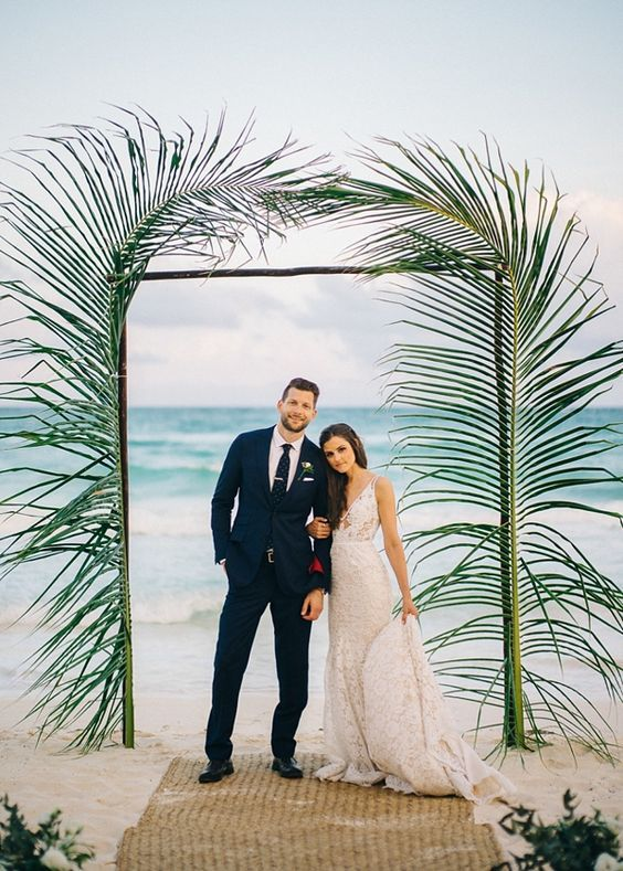 http://www.tidewaterandtulle.com/2018/03/unique-beach-wedding-ceremony-arch-ideas.html?m=1