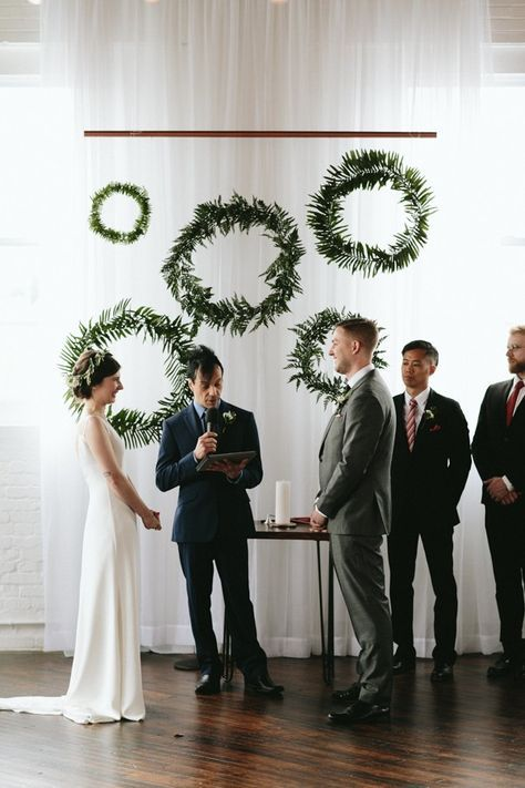 http://junebugweddings.com/wedding-blog/reading-art-works-wedding-takes-modern-minimalism-next-level