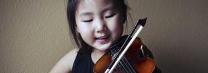 focused-suzuki-violin-student-girl