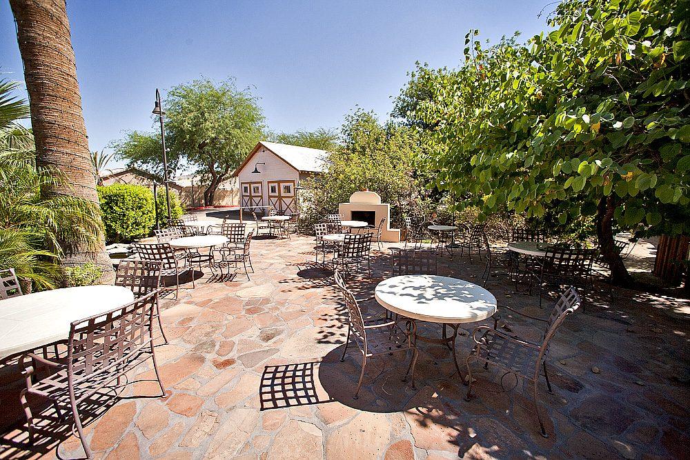 Phoenix Wedding Photography Wedding Venue Review Of House Of The Secret Garden