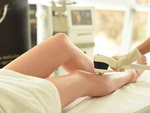 Haare an den Beinen entfernen mit unserem Dioden Laser Mediostar Next