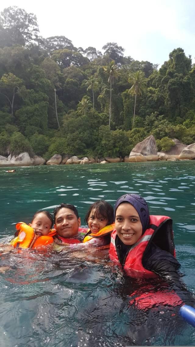 trip-perhentian-part-2-perhentian-kecil-kg-nelayan-snorkelling-windmill-masjid-kristal (8)