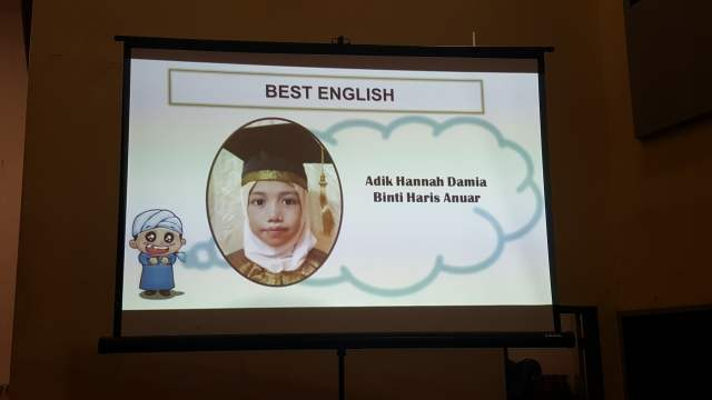 grand-ihtifal-little-caliph-2016-graduation-lil-hannah-damia