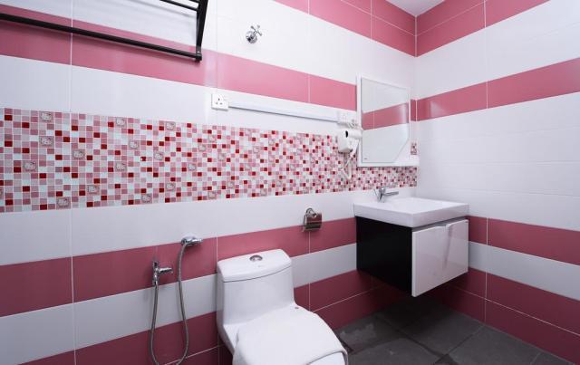 HANNAHDAMIA BIRTHDAY TRIP BILIK TEMA HELLO KITTY DI HOTEL DE ART i-CITY SHAH ALAM (29)