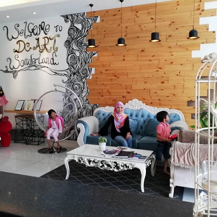 HANNAHDAMIA BIRTHDAY TRIP BILIK TEMA HELLO KITTY DI HOTEL DE ART i-CITY SHAH ALAM (5)