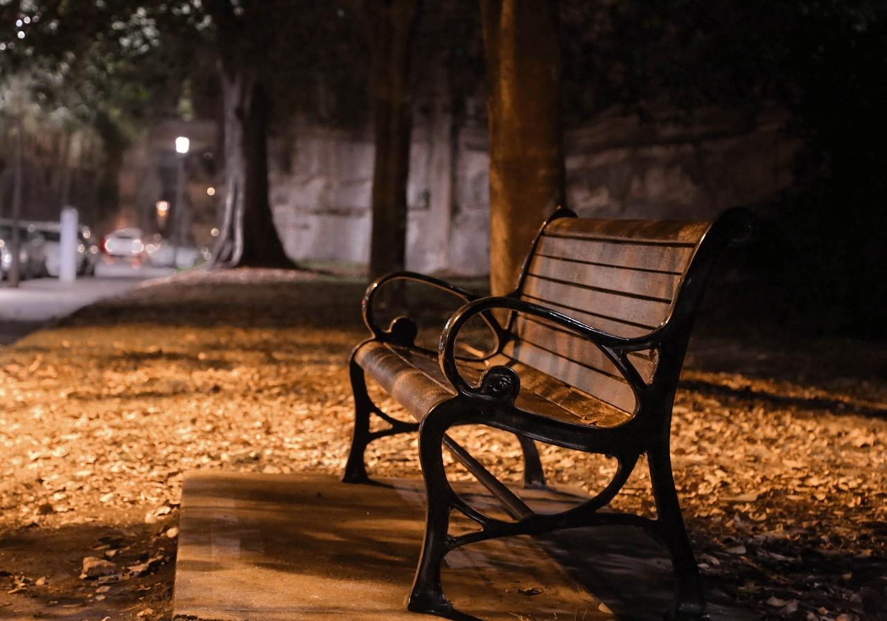 bench-626791_1280
