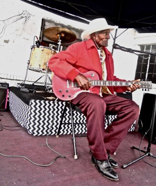 GIP GIPSON ~ OLDEST BLUESMAN @ 96