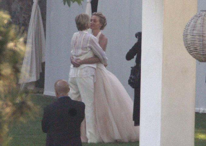 7 Celebrity Wedding Kisses