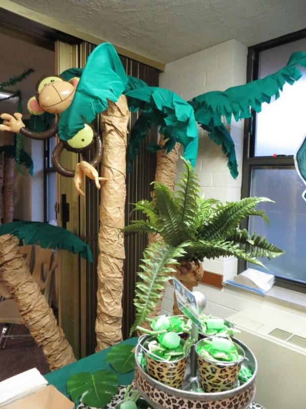 Palm tree decorations