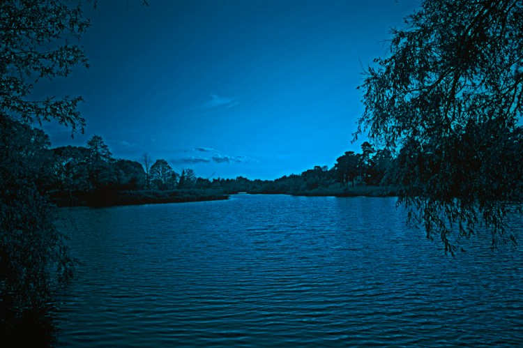 night-lake-1547450