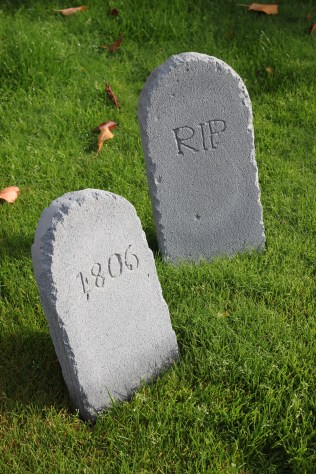 Halloween DIY Gravestones   Shelley Makes