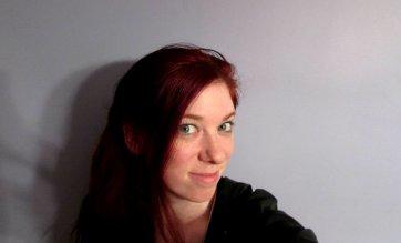 Kat McIntyre author pic