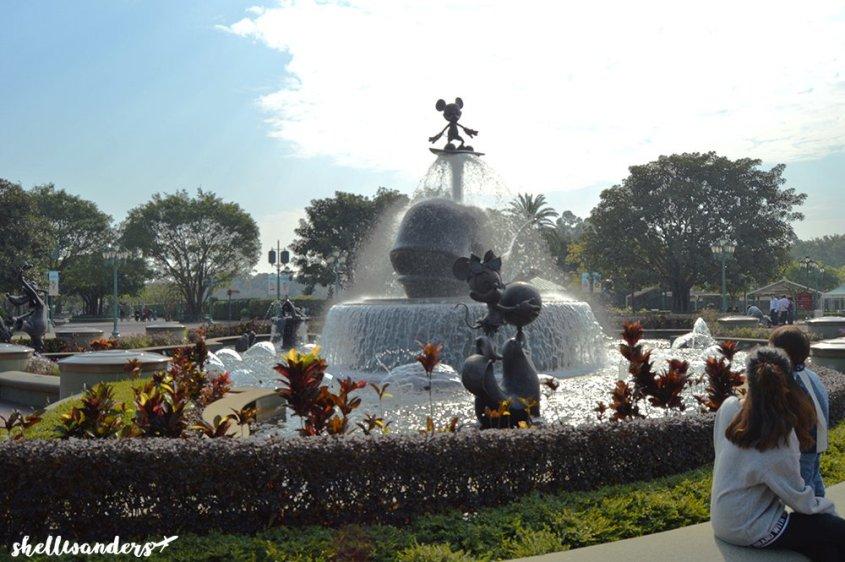 Hongkong Disneyland Mickey Fountain