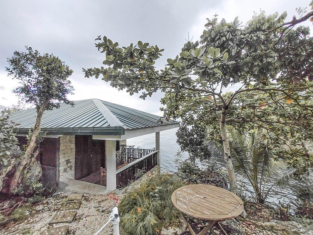 Bunzie's Cove Seaview Suite