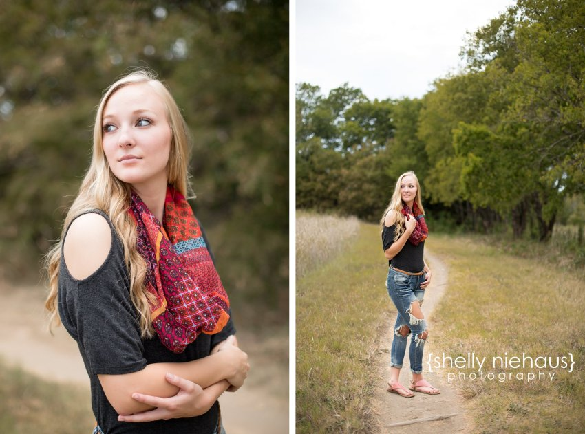 Simple senior pictures in a natural session by Shelly Niehaus Photography | McKinney TX