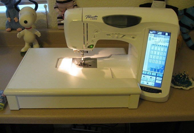 embroidery-machine-display