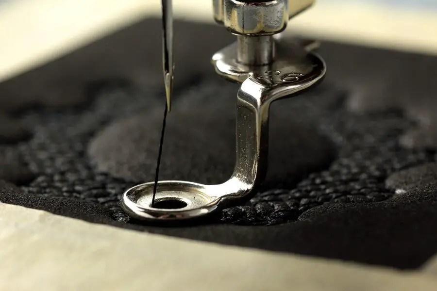 embroidery-machine-needle