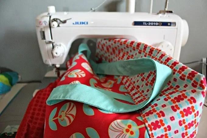 sewing-machine-throat-space
