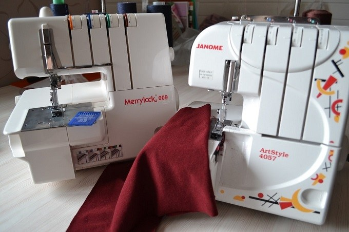 serger-vs-coverstitch-machine