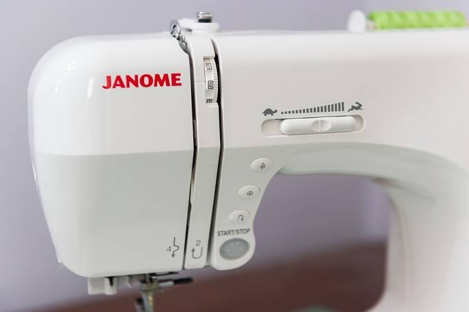 Janome-sewing-machine-speed-control
