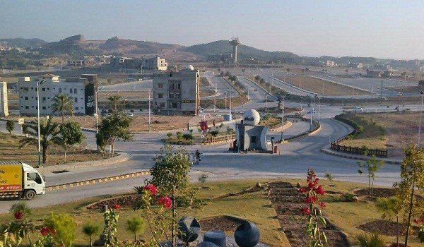 Bahria Town Phase 8 Safari Valley Rafi Block Boulevard Plot For Sale