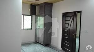 10 Marla, Upper portion For Rent In Mustafa Town Lahore.