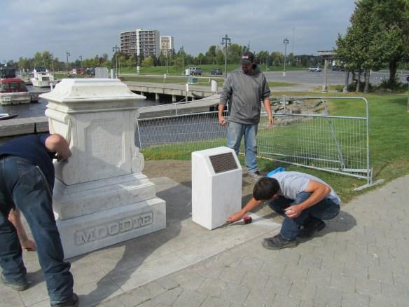 Moodie Monument Oct 3, 2014.XViD-NiNJA-041-1