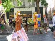 Avignon -colourful performers