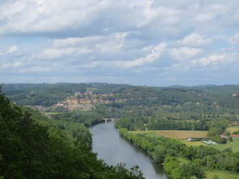 View down to the Dordogne below